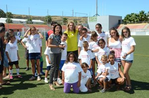 Claudio Caniggia with kids from the local orphanage